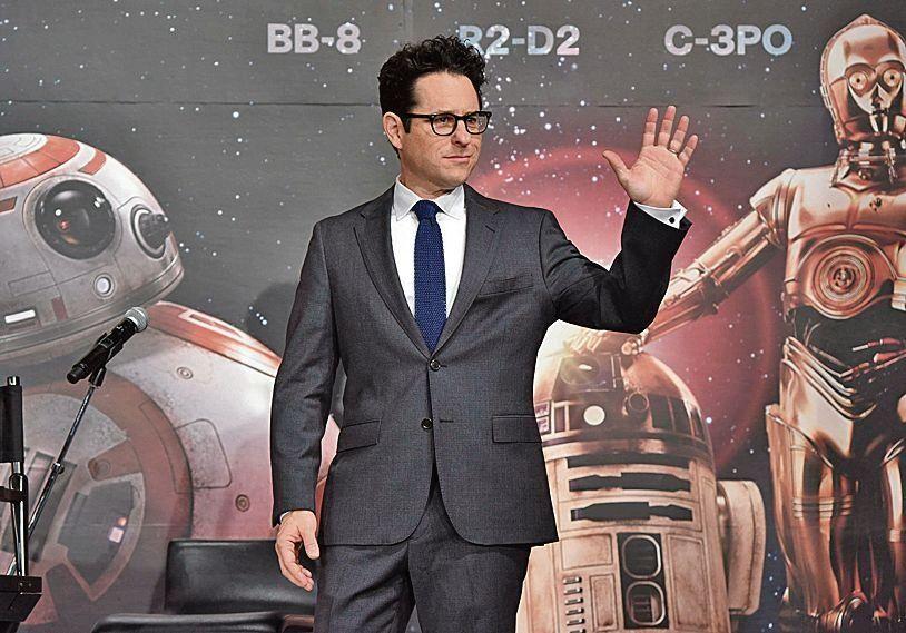 dEl director J.J. Abrams cerrará la nueva trilogía de La Guerra de las Galaxias.