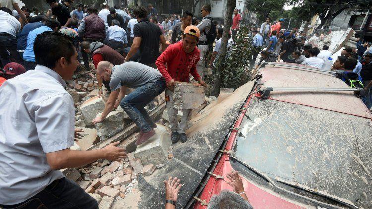 Terremoto de 7.1 grados sacudió a México: cientos de muertos