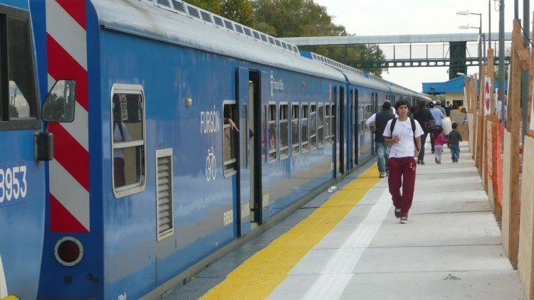 El tren San Martín no se detiene en la estación La Paternal