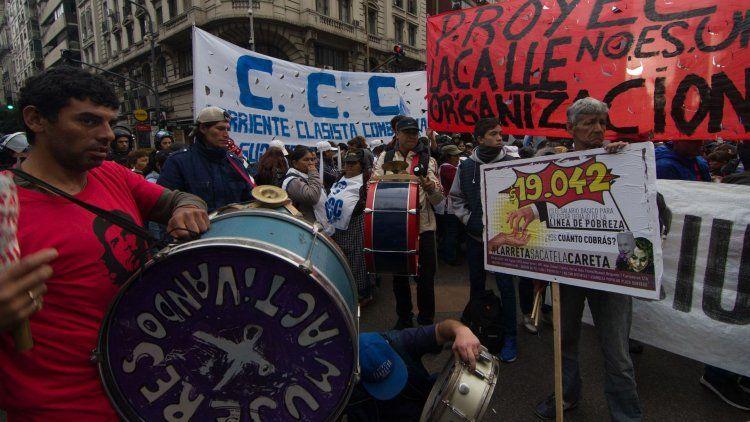 Martes de cortes y marchas por la movilización de organizaciones sociales