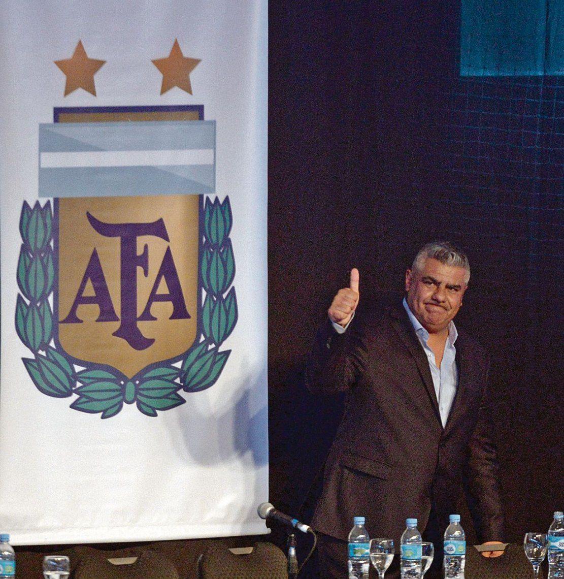 dLa B Nacional está en crisis; y si no fuera porque Tapia es el presidente de la AFA estaría de paro.