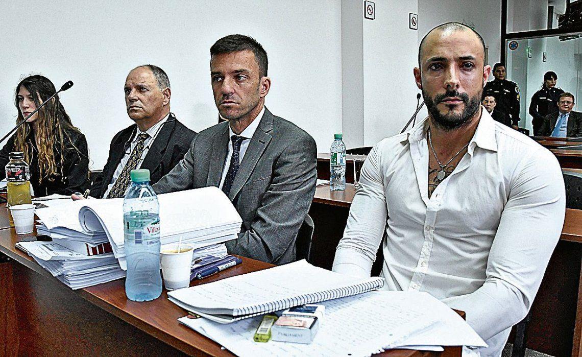 dCon un look totalmente cambiado se lo vio a Leonardo Fariña en el inicio del juicio en su contra.