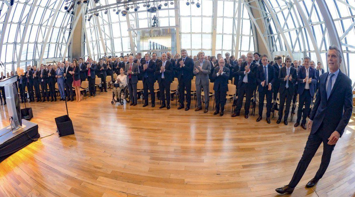 Todos los presentes en el anuncio de Mauricio Macri