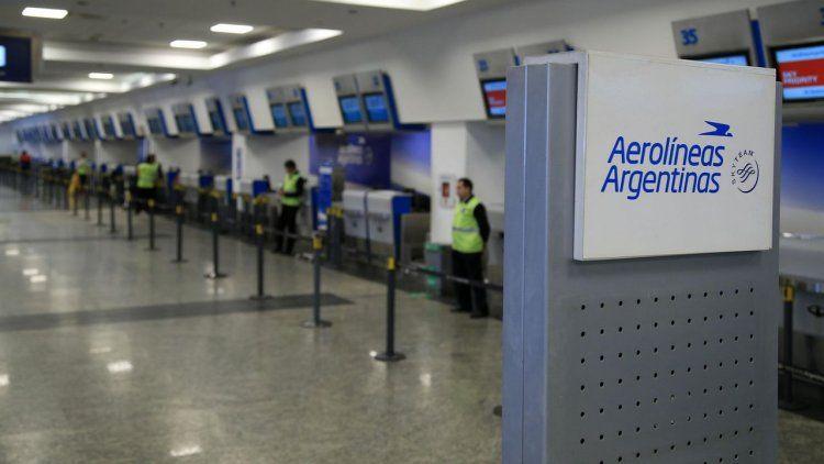 Aerolíneas canceló todos los vuelos del lunes por el paro de la CGT