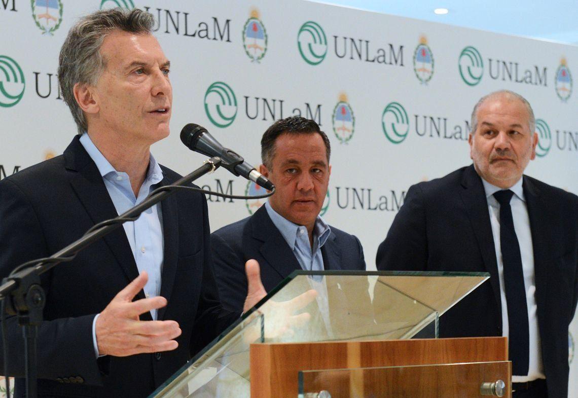 Macri: Es una locura que haya distancia entre la universidad y la empresa