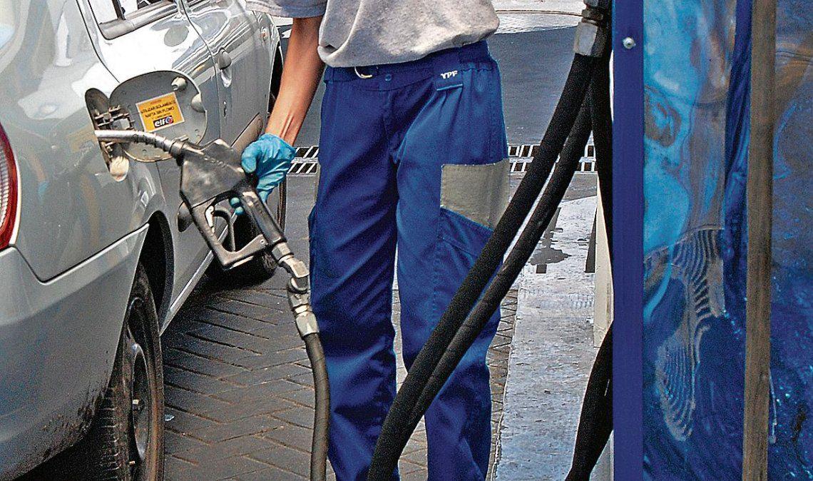 dEl impacto del aumento en los combustibles parece no haber repercutido en la inflación de octubre.
