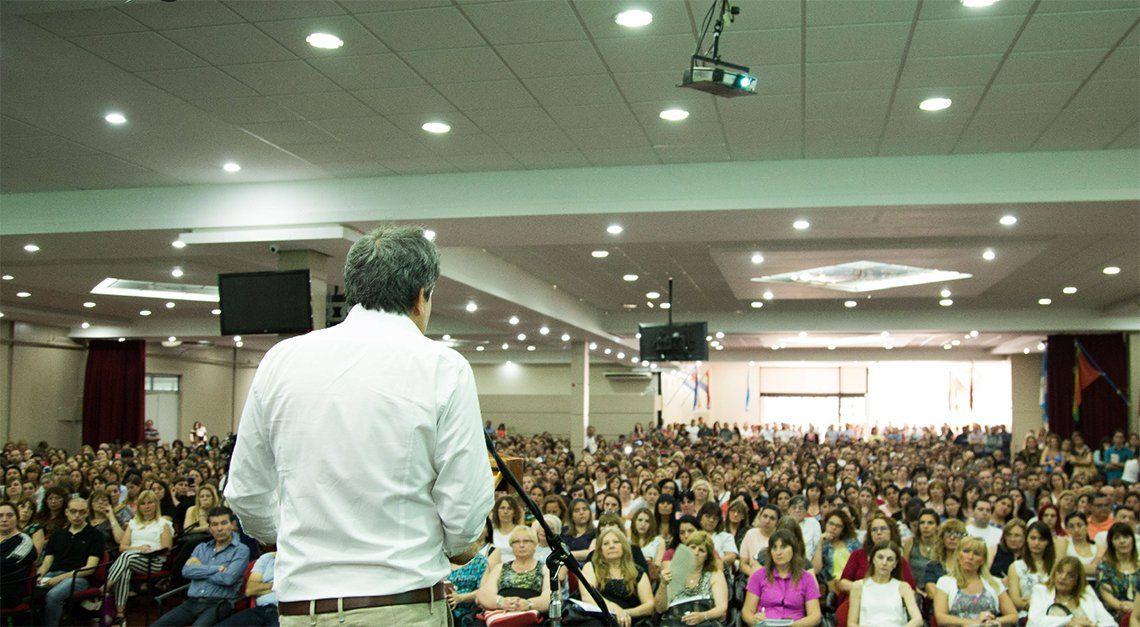 Manes, en encuentro con más de 2.000 docentes