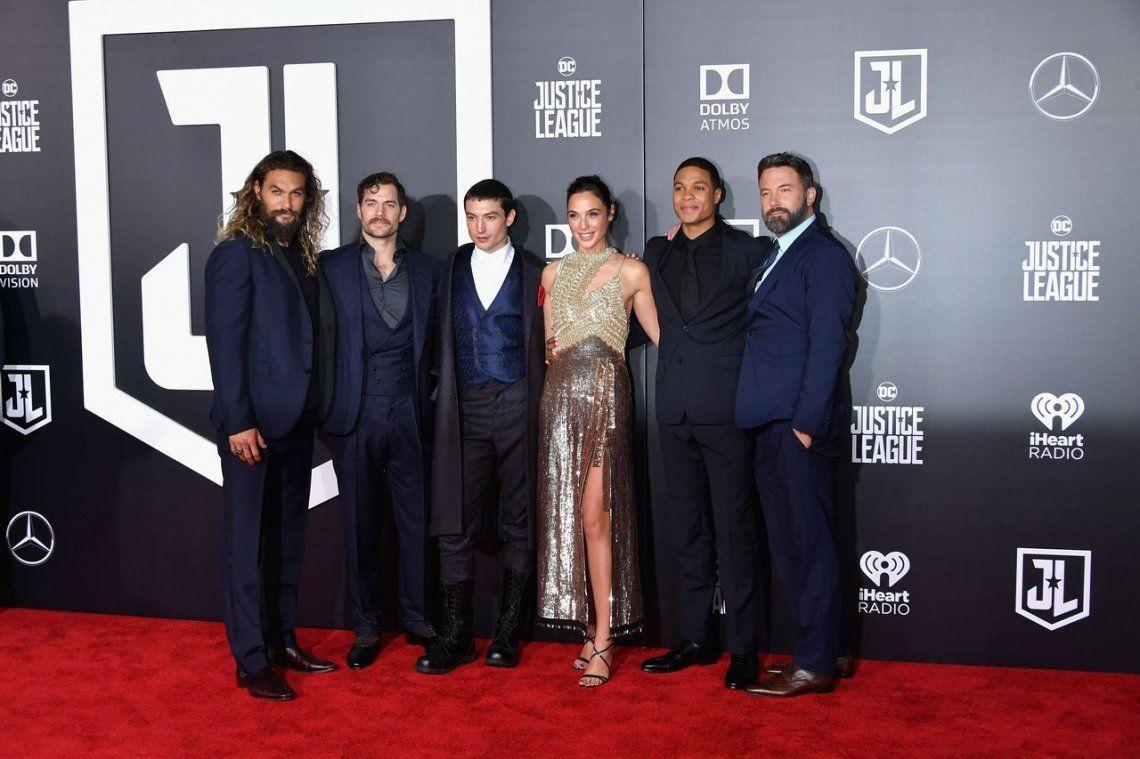 Con todas sus estrellas, se estrenó la Liga de la Justicia