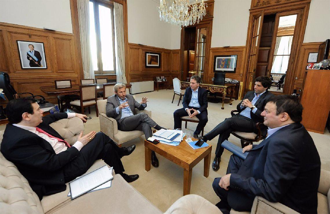 Mano a mano, nueva forma de negociar con las provincias