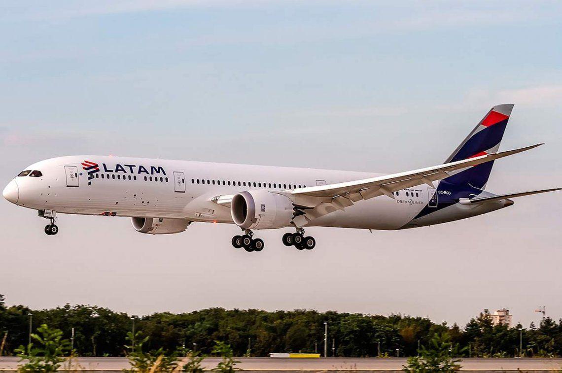 Sin vuelos: aeronavegantes anunciaron paro en Latam para el lunes 30 por un reclamo salarial