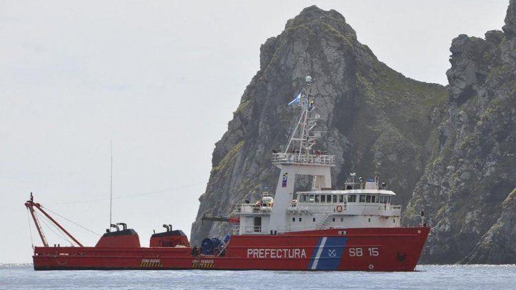 Refuerzan la búsqueda del submarino con buques y aviones de distintos países