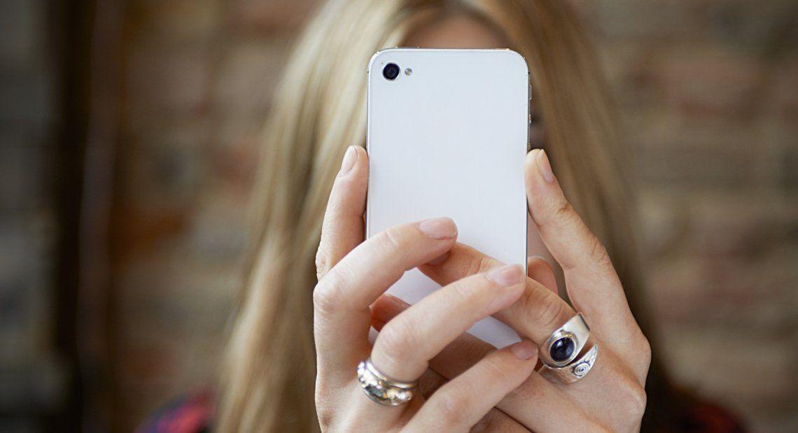 Afirman que el uso de smartphones daña la salud mental