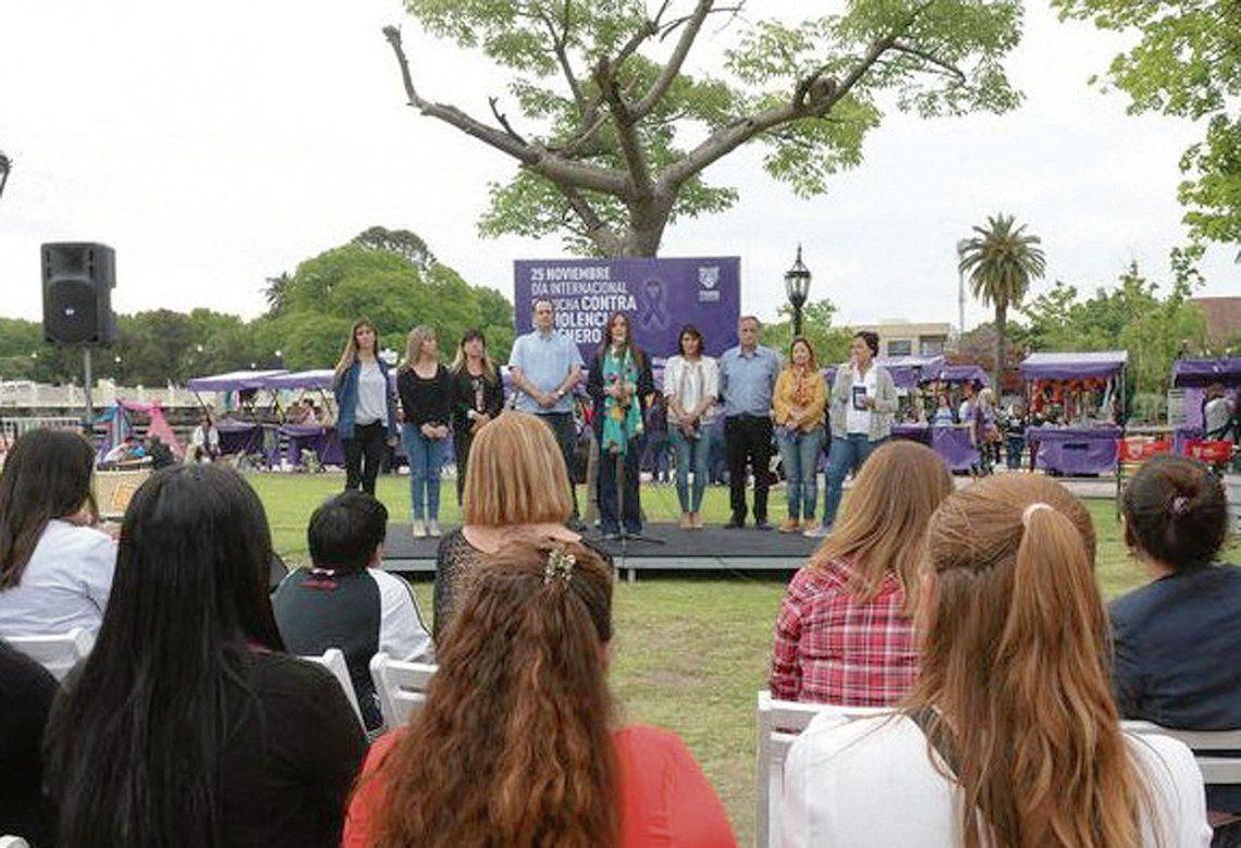 dUna intensa jornada contra la violencia de género se desarrolló en la Estación Fluvial de Tigre.