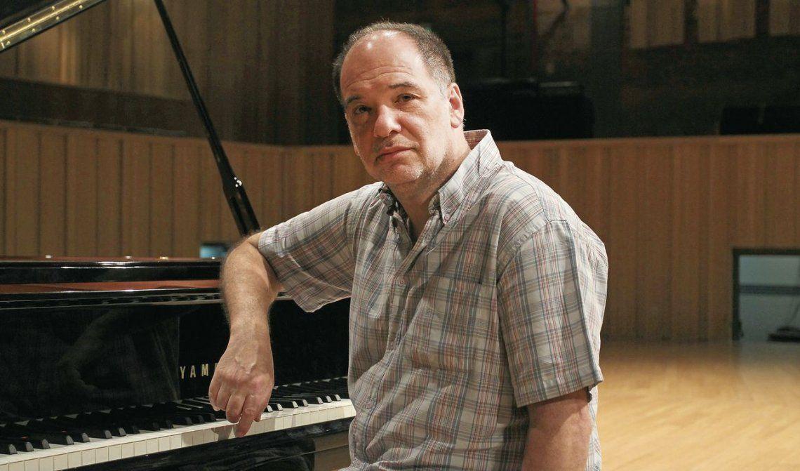 dAdrián Iaies mantiene intactas la pasión por la música y la gestión cultural.