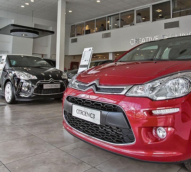 El patentamiento de autos cayó un 25,5%