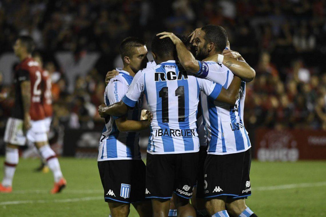 Racing rescató un punto ante Newells en Rosario