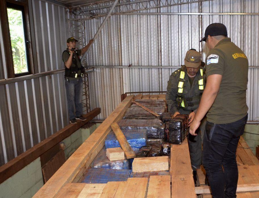Secuestran tres toneladas de marihuana y detienen a 15 personas en Misiones