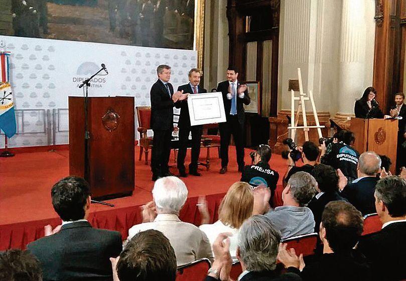 dVila fue homenajeado con el máximo galardón de la Cámara de Diputados.