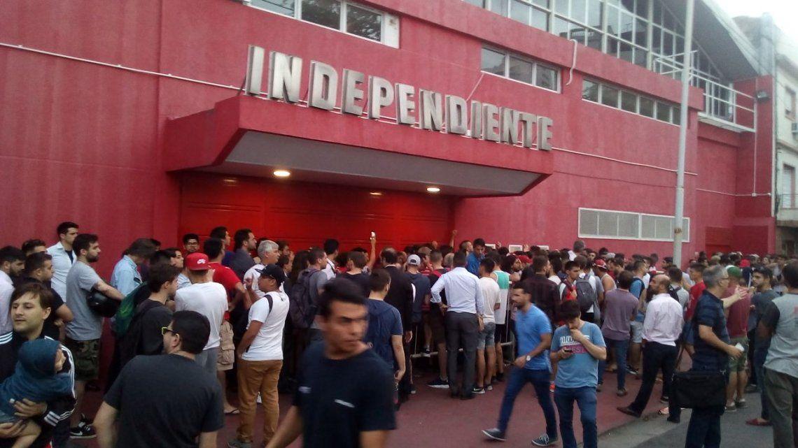 Las entradas se agotaron rápido y el club le pidió disculpas a los hinchas de Independiente