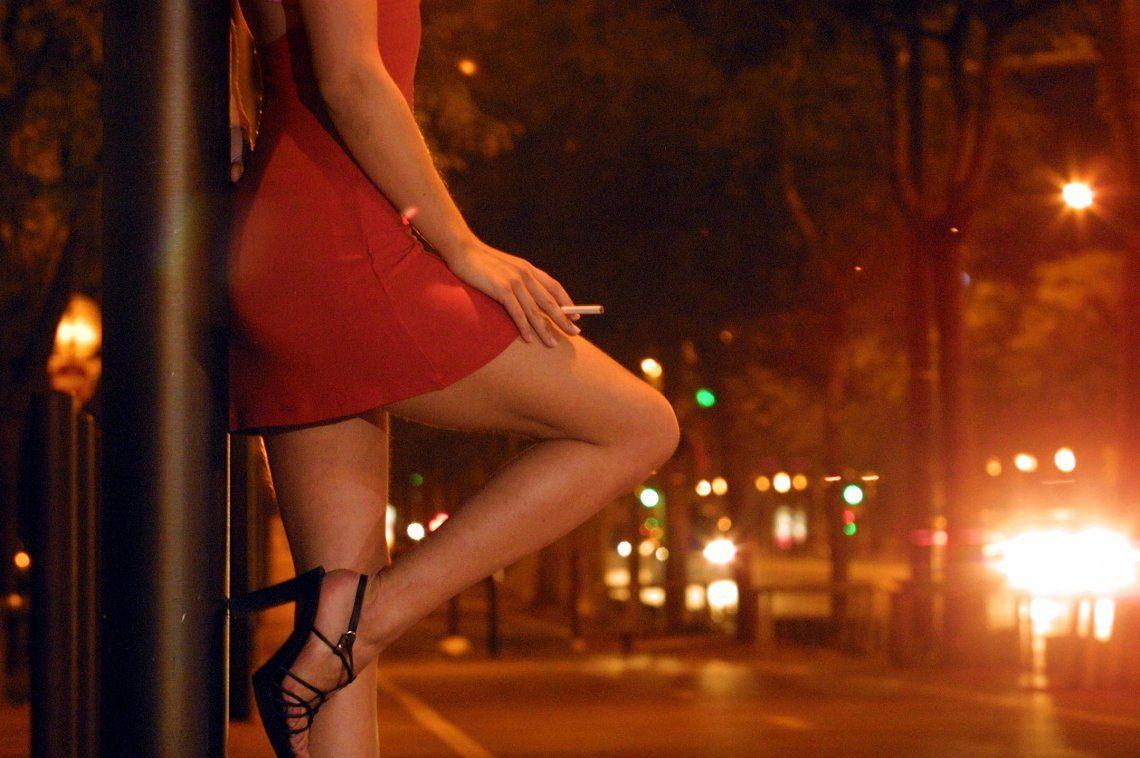 Publicarán fotos y datos de quienes contraten prostitutas