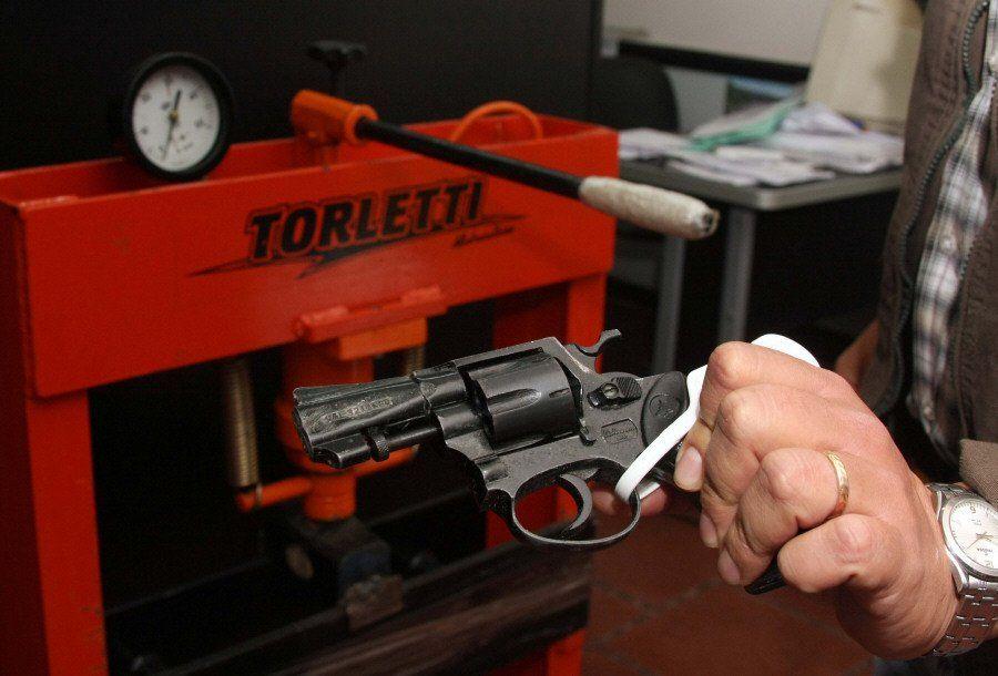 El desarme en Lanús con un promedio de 40 al mes
