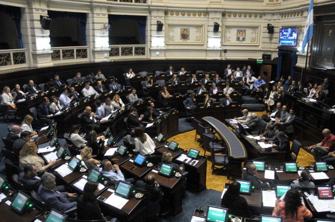 Vidal promulgó una ley que reduce gastos en la Legislatura bonaerense