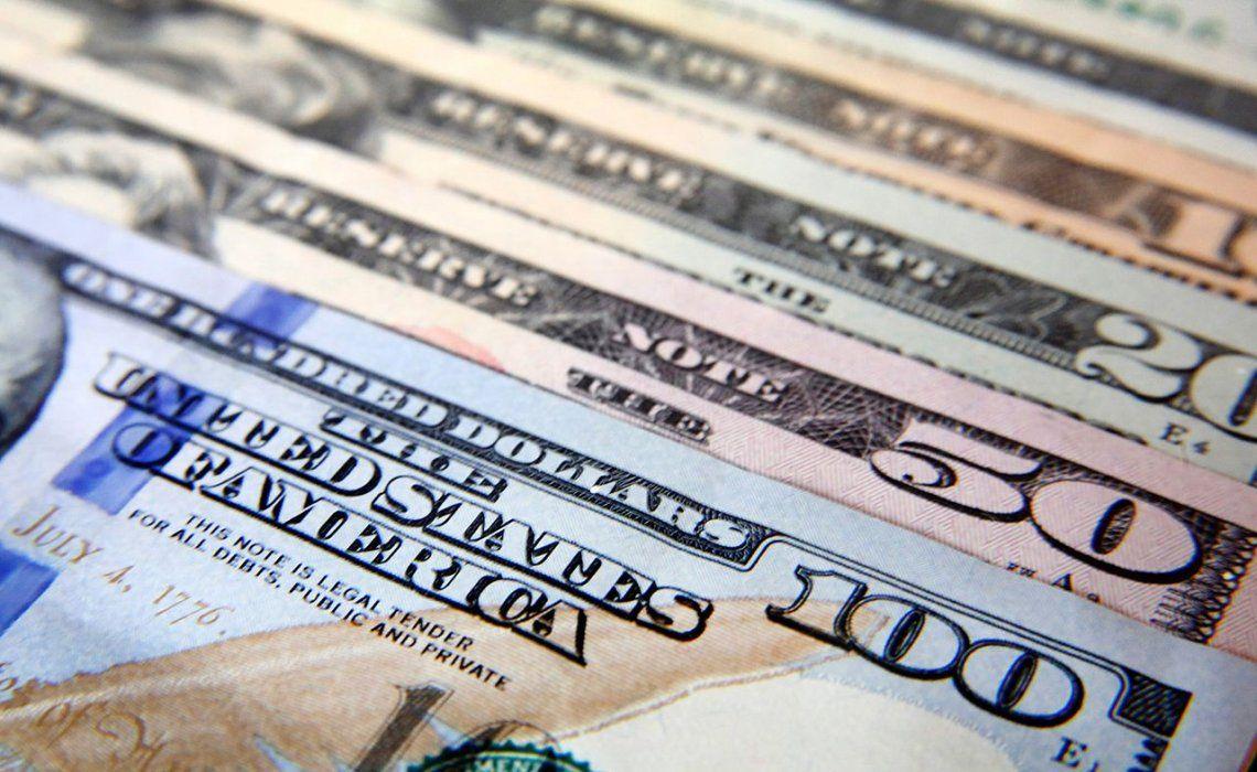 El dólar subió 13 centavos y cerró en $19,34