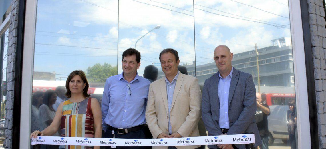 Se inauguró oficialmente la oficina de Metrogas en Burzaco