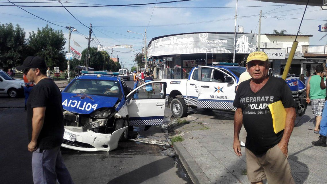 Chocaron dos patrulleros en Isidro Casanova