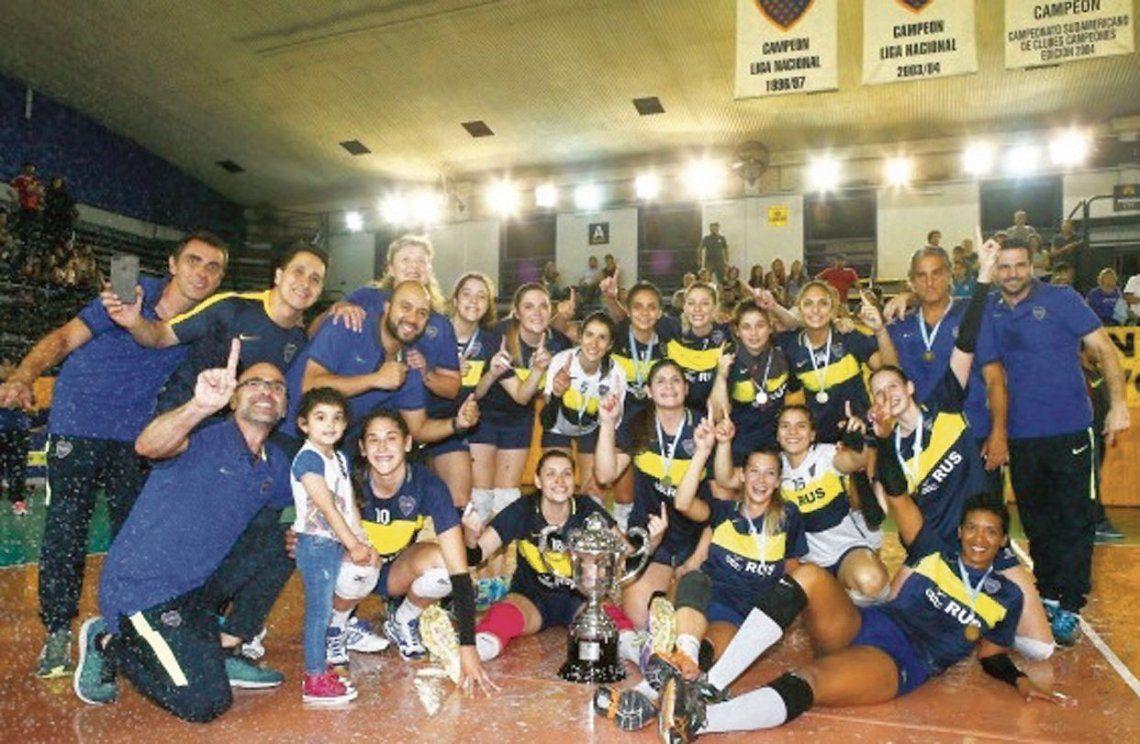 El equipo mayor de voley femenino de Boca salió campeón metropolitano