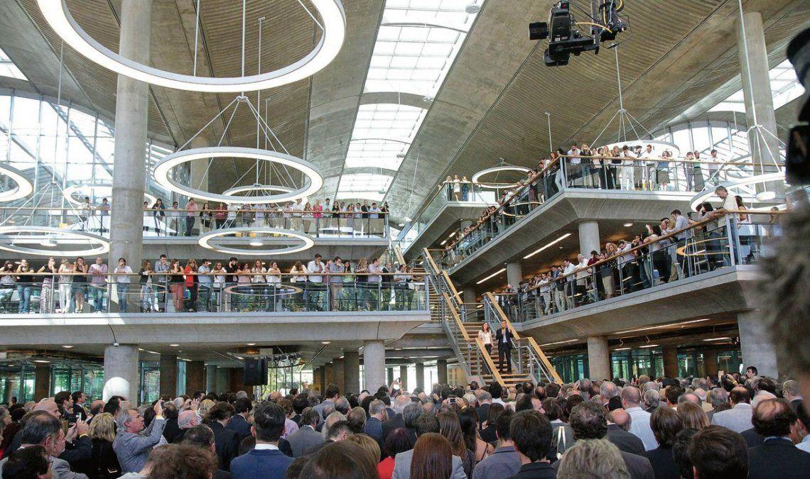 El edificio fue inaugurado el 3 de abril de 2015 por Mauricio Macri