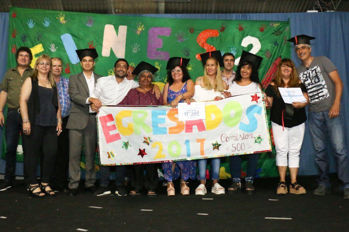 Berazategui: más de 400 adultos terminaron la secundaria con el Plan FinEs