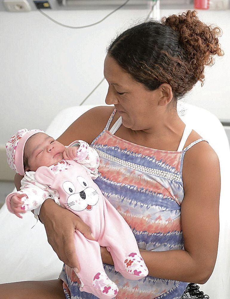 Ambar, la primera bebé nacida este año