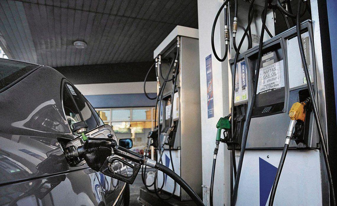 Para los expendedores, la nafta debería aumentar un 9% más