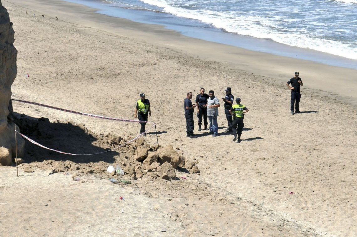 Mar del Plata: murió una nena de 3 años tras un desprendimiento de piedras en la playa