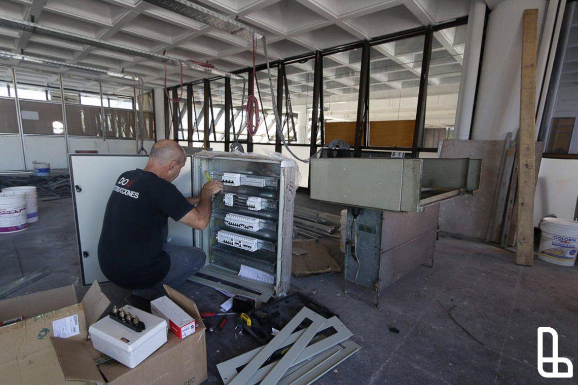 Avanzan obras en el edificio municipal de Lanús