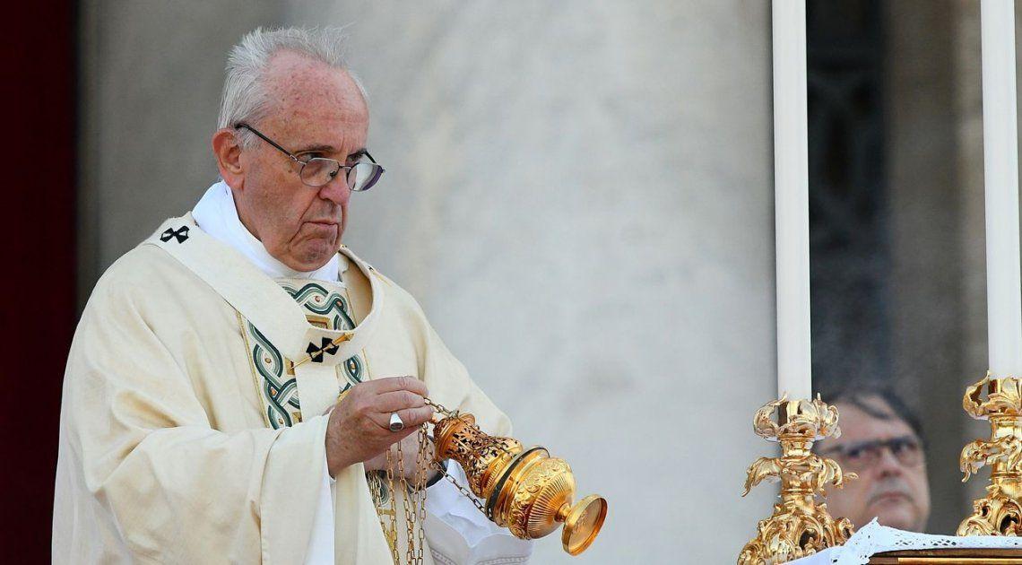 Es doloroso que el Papa pase por arriba nuestro y aterrice en otro lado