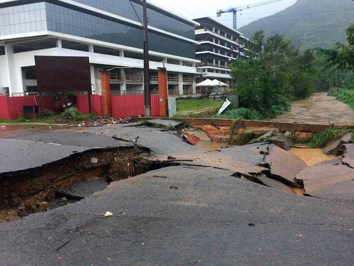 Florianópolis, llena de argentinos de vacaciones, azotada por lluvias e inundaciones