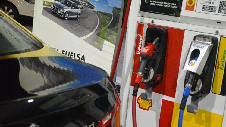 Anticipan que los combustibles subirán en mayo más de un 5%
