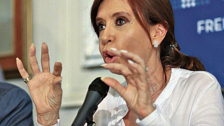 Cristina quiere ir a juicio en la causa por la obra pública