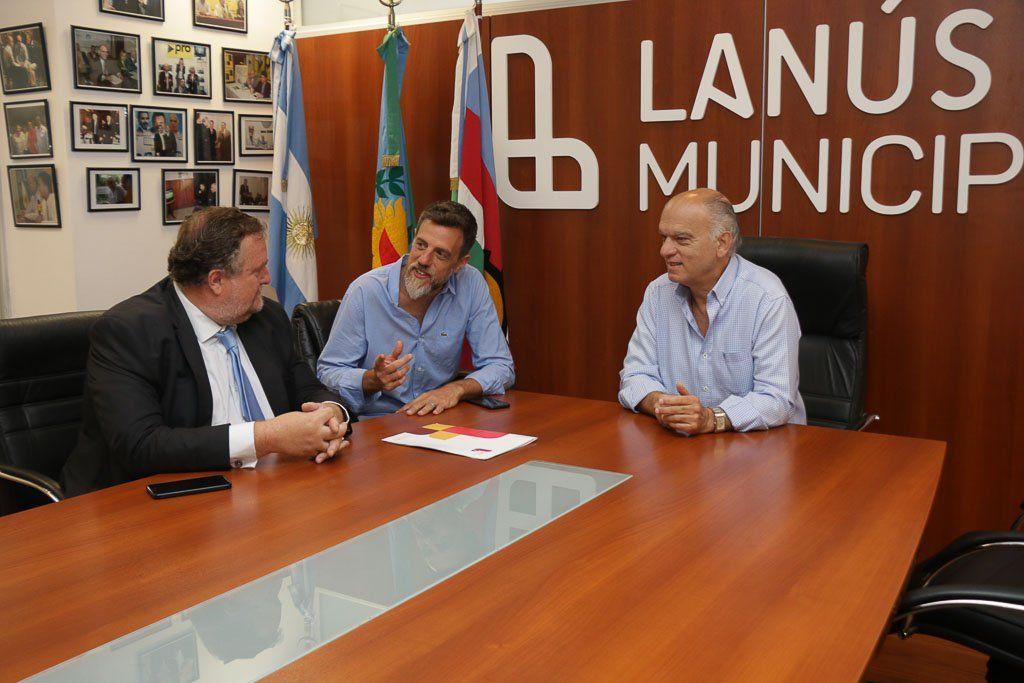 Grindetti firmó un convenio con la Unión de Magistrados de Lomas