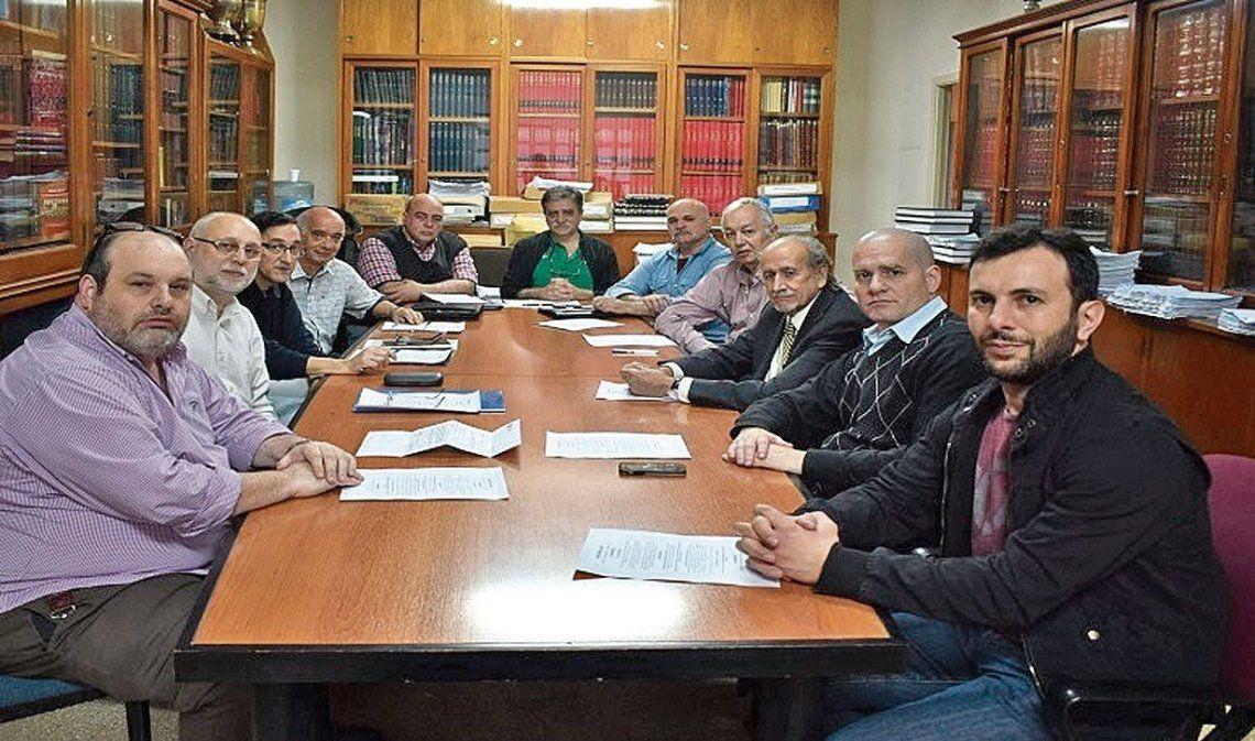 dLa presentación del Departamento de Historia tuvo representantes de varios clubes.