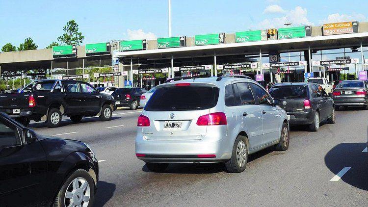 Cobrarán tarifa de hora pico en ambos sentidos de la autopista Ricchieri