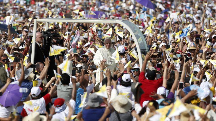 Franciscose despidió de Sudamérica con un fuerte mensaje contra la corrupción