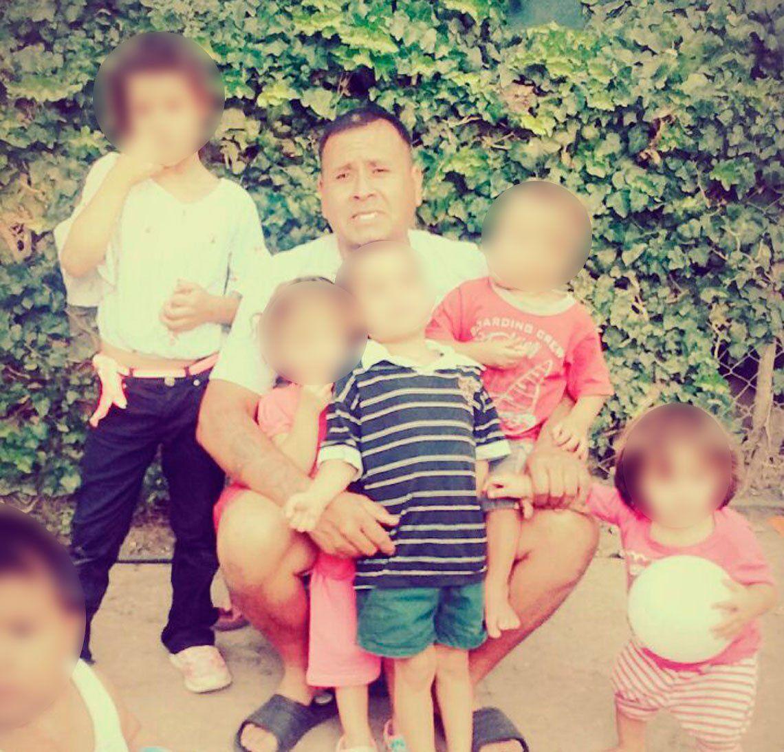Dramático: madre abandonó a cinco de sus hijos y los dejó con su abuelo