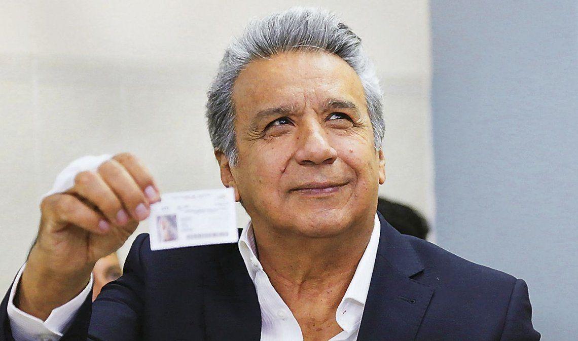 Ecuador descarta reelección indefinida y cierra paso a Correa