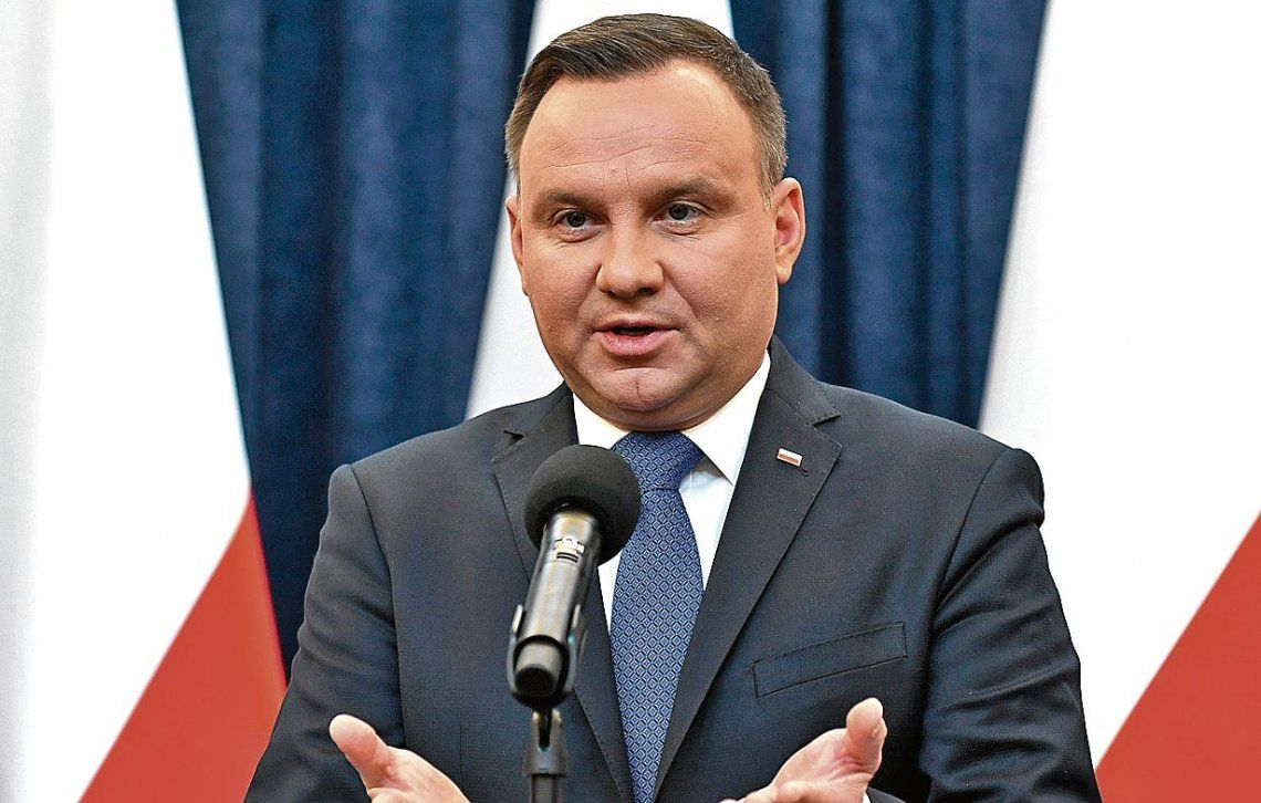 Presidente de Polonia firma polémica ley sobre el Holocausto