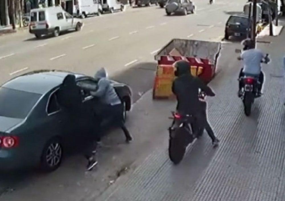 Denuncian ola de robos de los motochorros en Montecastro