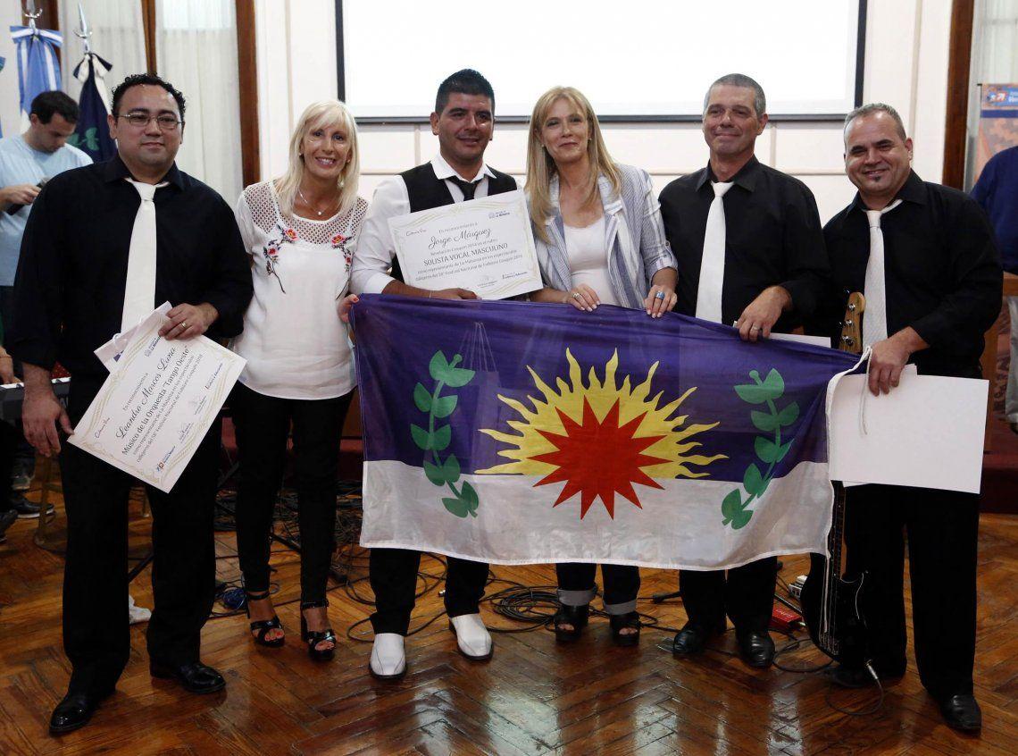Reconocieron a los artistas que representaron a La Matanza en Cosquín