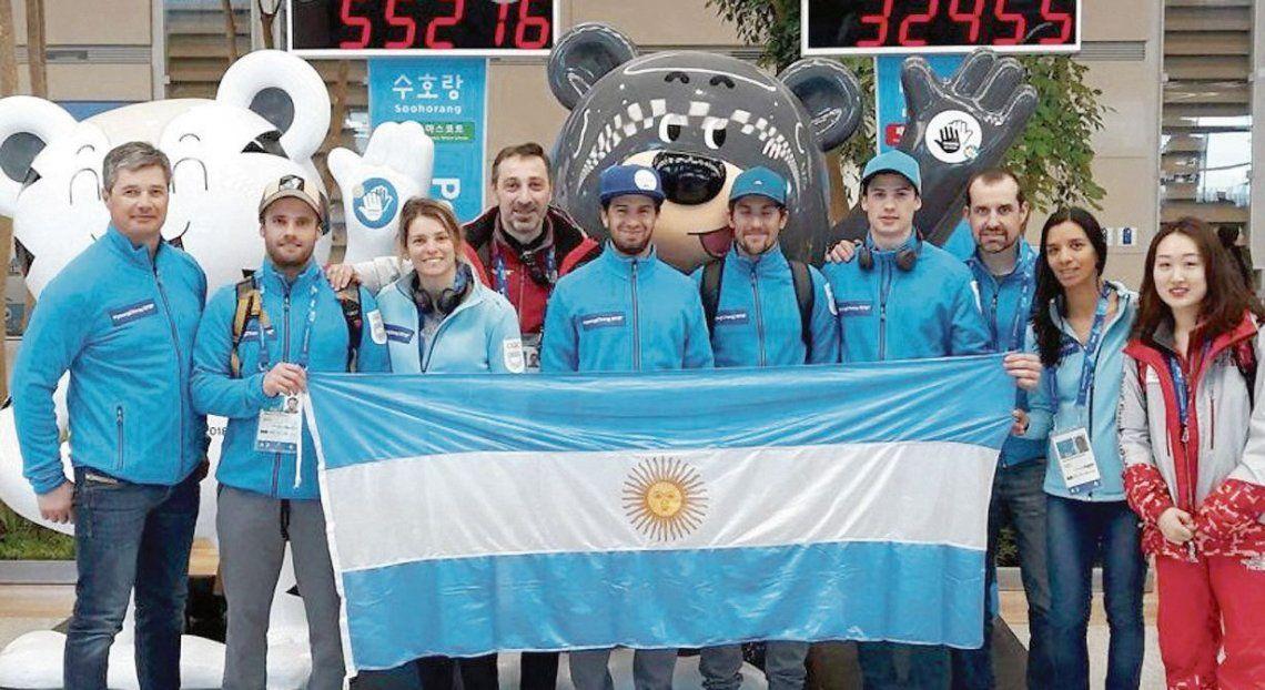 dLa pose de los argentinos que competirán en los Juegos de Pyeongchang. Son siete integrantes.